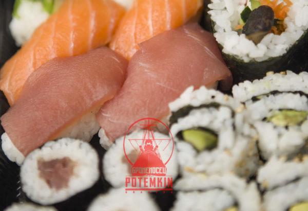 Ración de sushi variado 18 piezas Potemkin